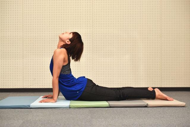 やってはいけない腰を反らす体操・動作
