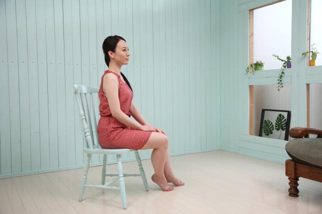 座る時の姿勢